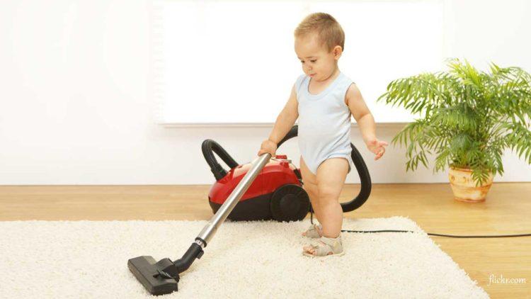 come-pulire-casa-con-un-bebe