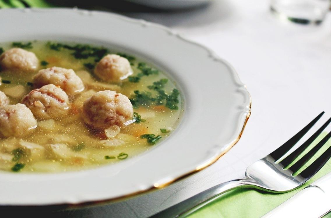 Un dado di buona qualità è ideale anche per realizzare piatti della tradizione, come i canederli in brodo.