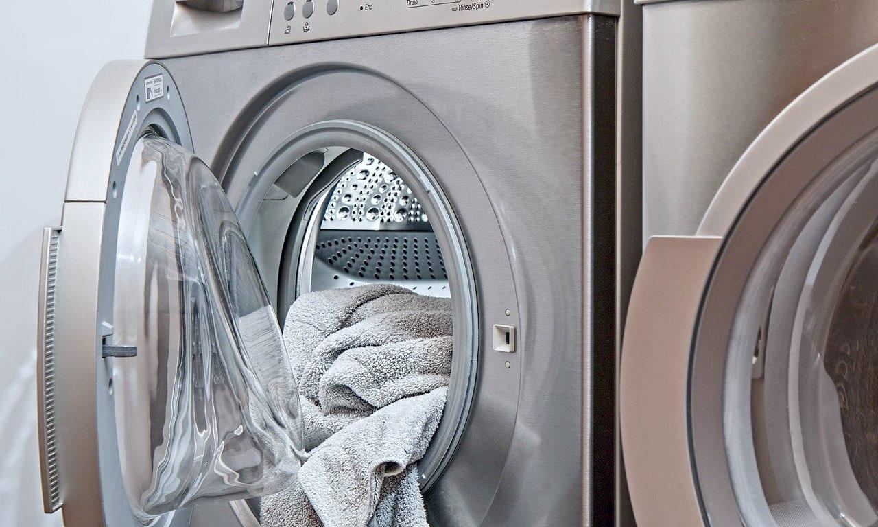 Meglio evitare l'uso dell'aceto di vino nella lavatrice